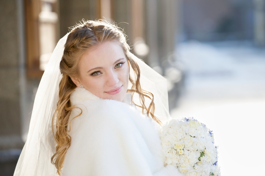 Winter Wedding iStock_000011507746_Small
