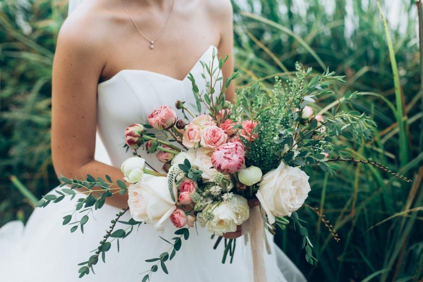rustic bride  iStock_000080332895_Small