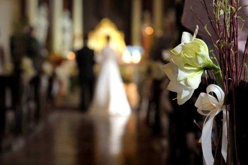 wedding aisle iStock_000014070468_Small