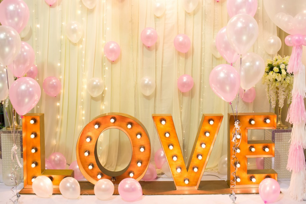 Luxury Indoors Wedding backdrop Decorate with word love light stand